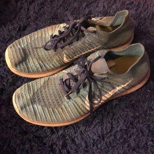 Nike FREERNFLYKNITS